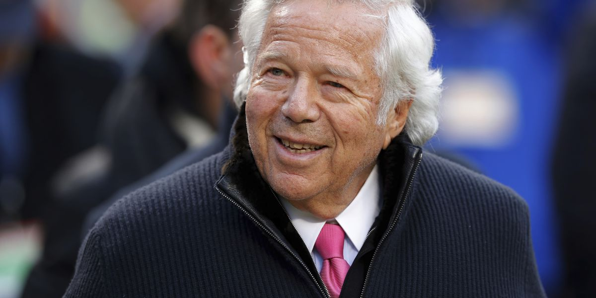Patriots owner Robert Kraft charged with solicitation of prostitution