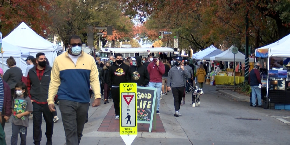 """""""It's just warm and fuzzy"""": Local shops feel the love on Small Business Saturday"""