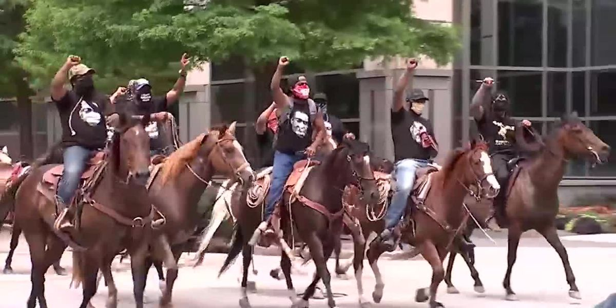 Protesters on horseback join Floyd rally in Houston