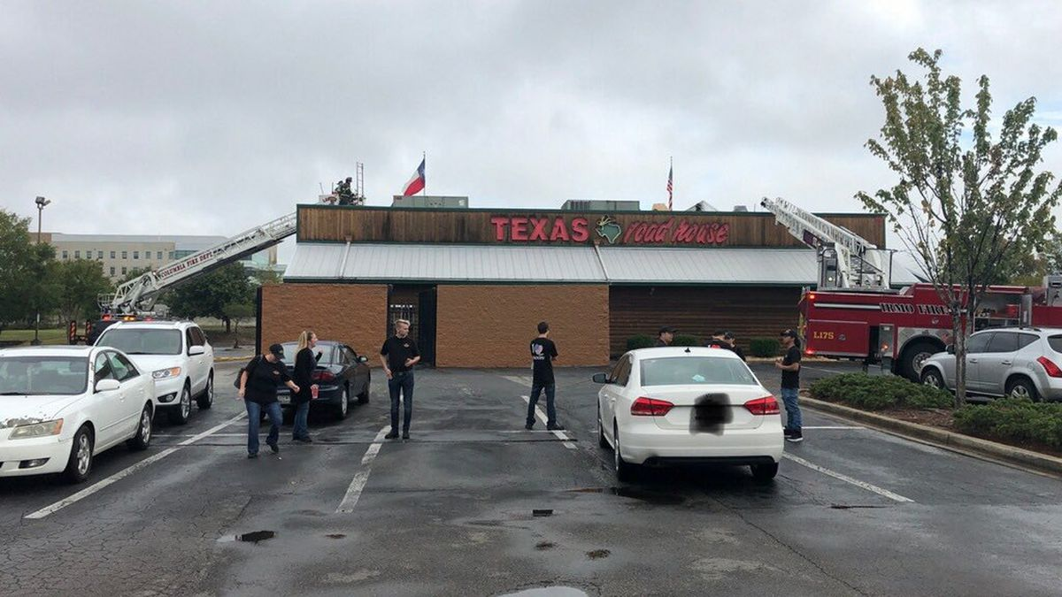 Crews put out fire at restaurant near Columbiana Centre