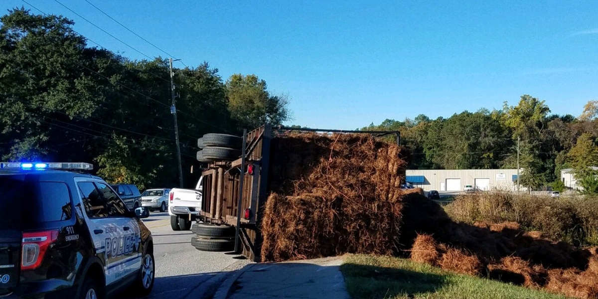 Industrial Dr. in Lexington reopens after overturned trailer causes delays