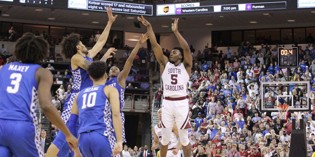 Men's college basketball notebook: SC stuns No. 10 Kentucky 81-78