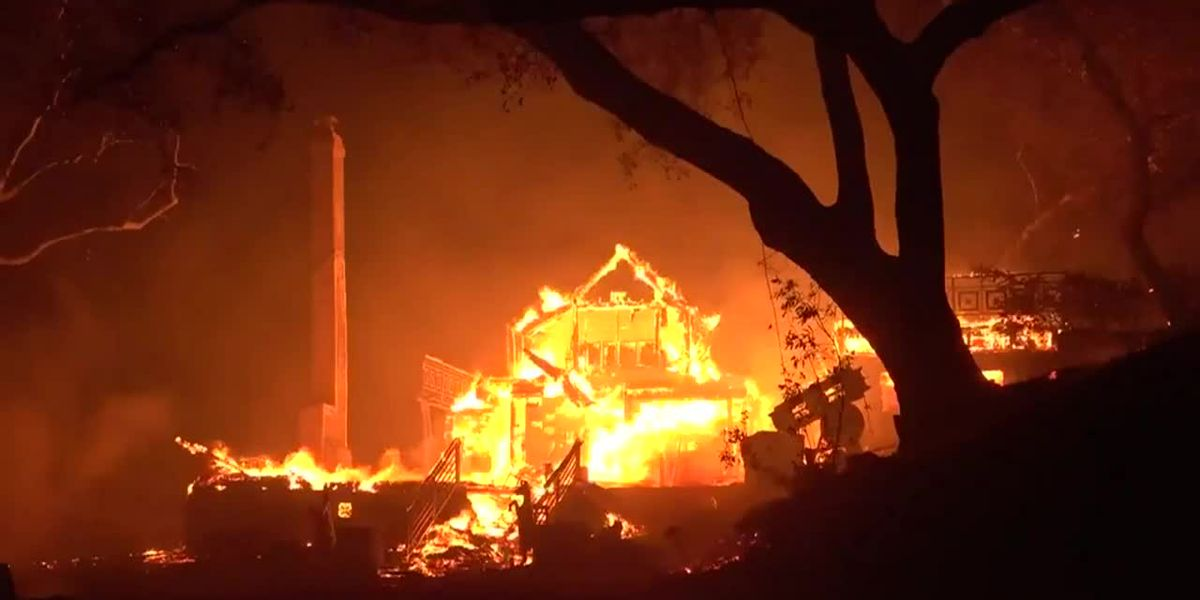 New California wildfires rage, forcing evacuations