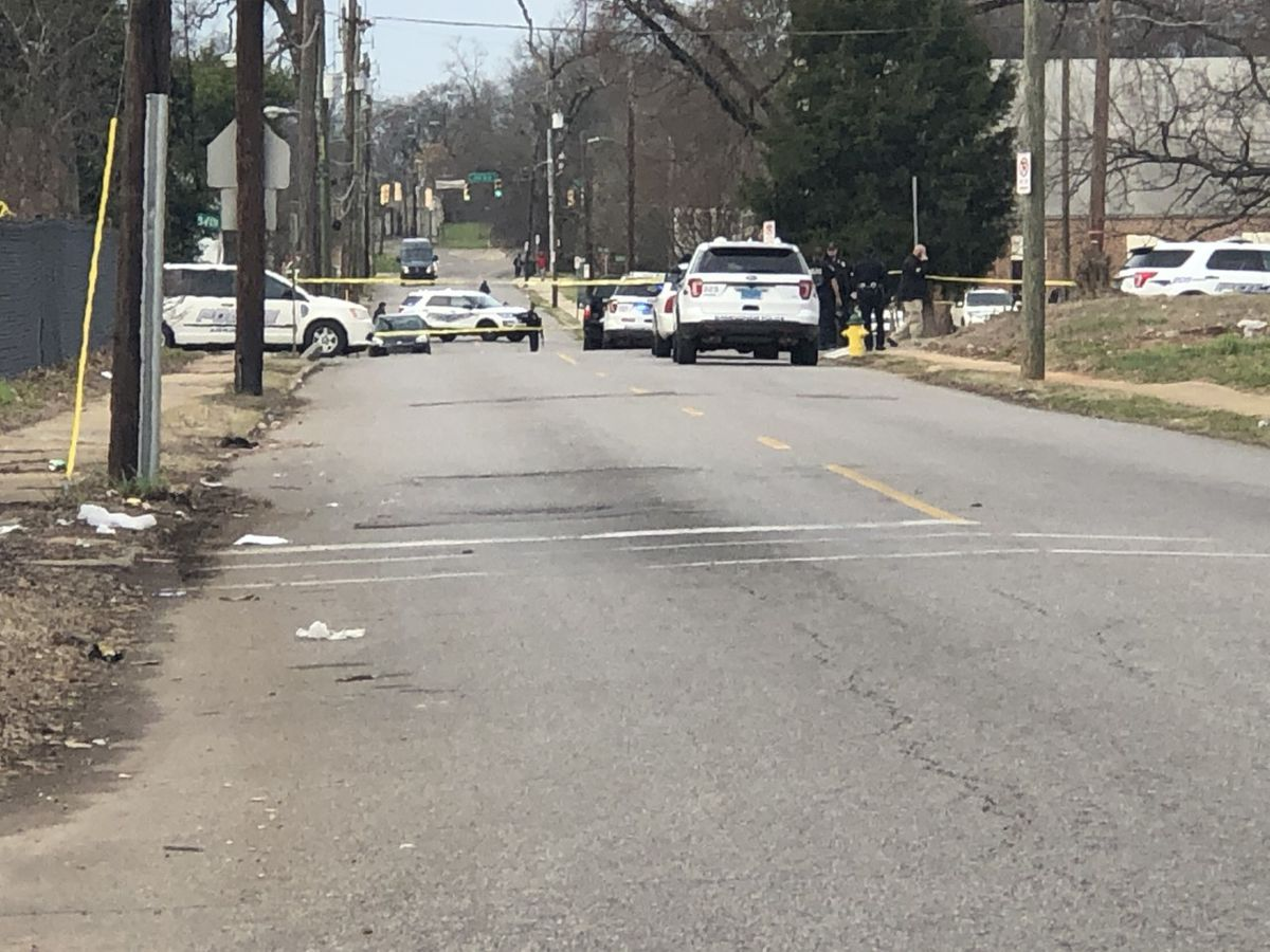 Off-duty B'ham officer shot while responding to call
