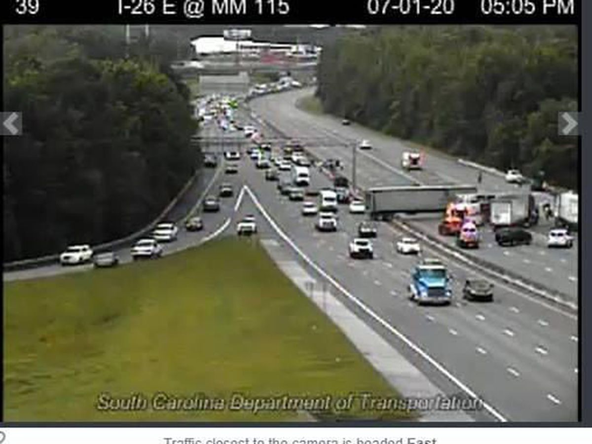 Serious crash on I-26 West near Cayce sends 6 people to hospital