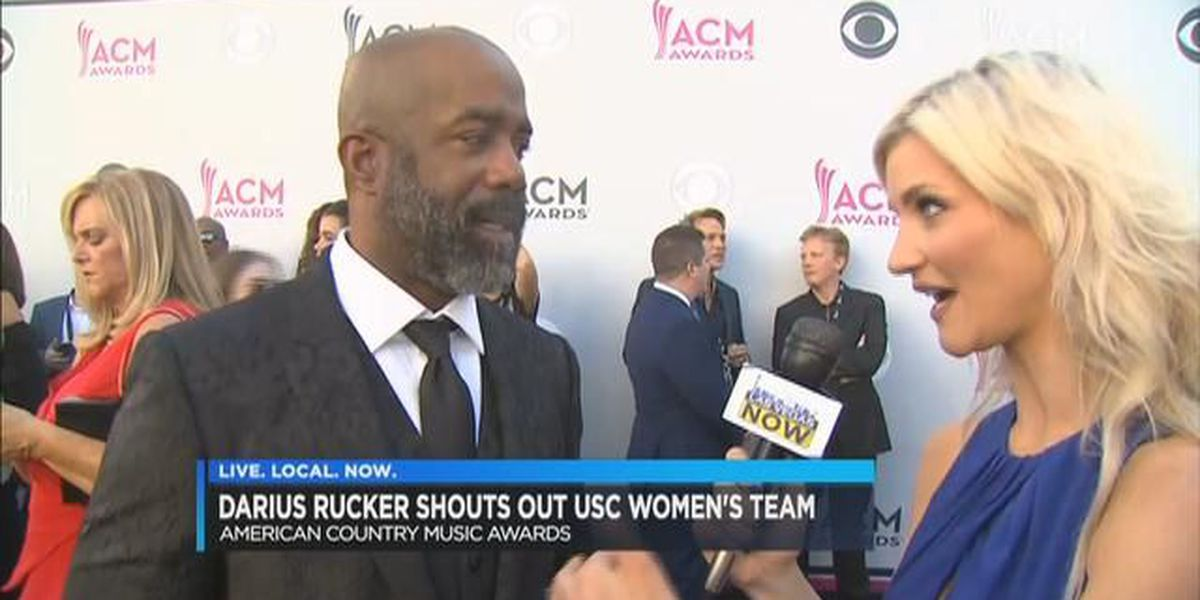 Darius Rucker gives shout out to Gamecocks during ACM Awards