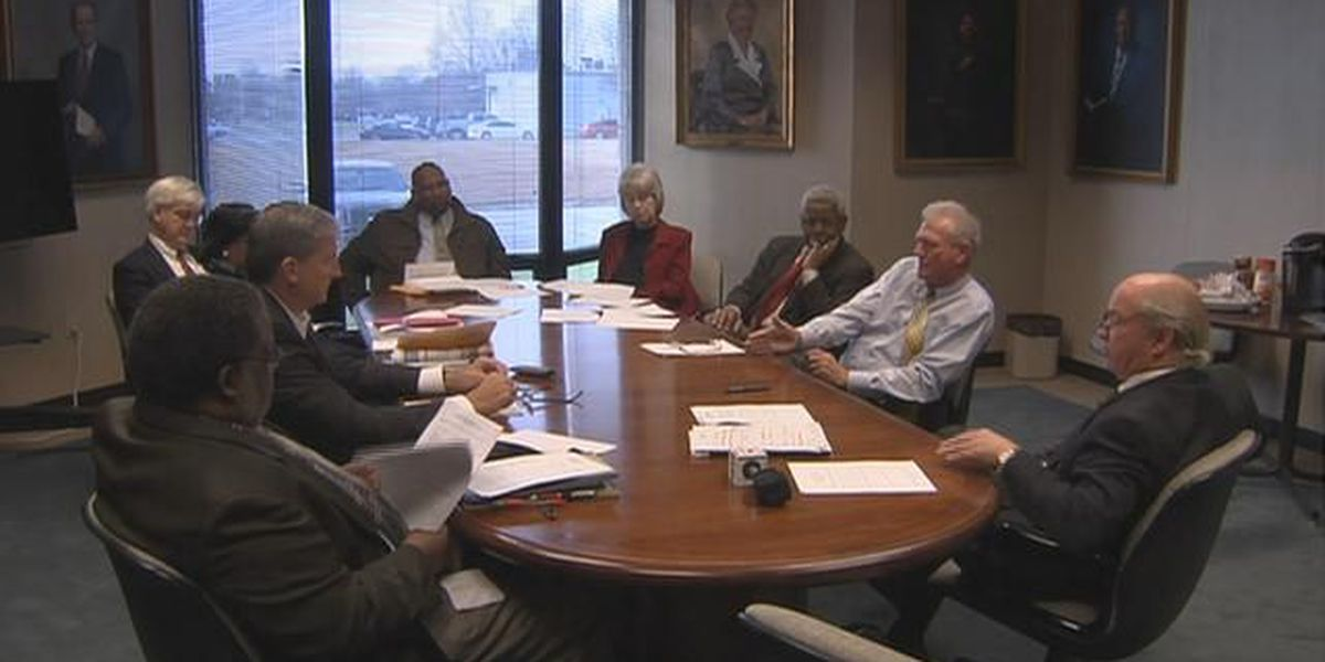 Financial committee suggests 2 Sumter schools close amid financial shortfall