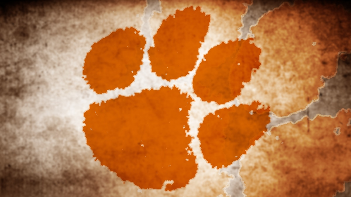 Former Clemson football player dies after battle with COVID-19