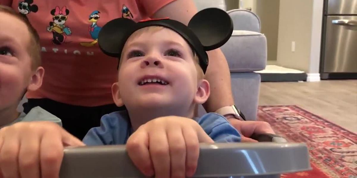 Florida family creates virtual Disney vacation at home