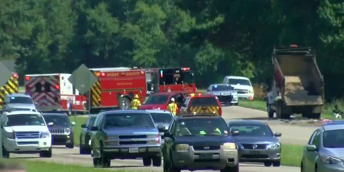 Coroner: SCDOT workers killed in crash on Highway 501 near Aynor