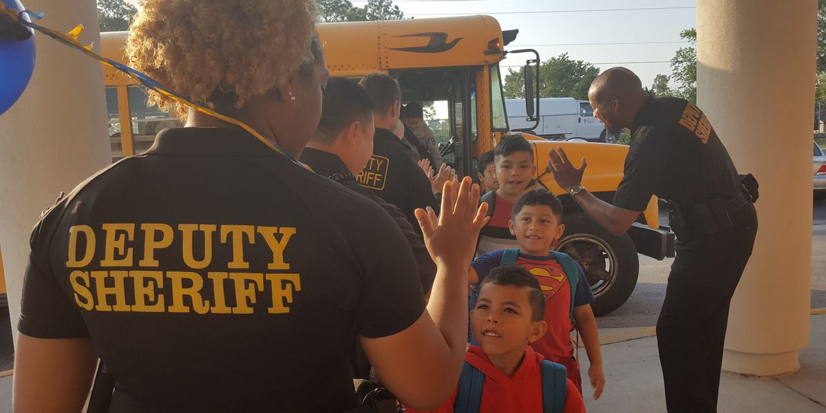 Deputies help kids start day with High Five Friday