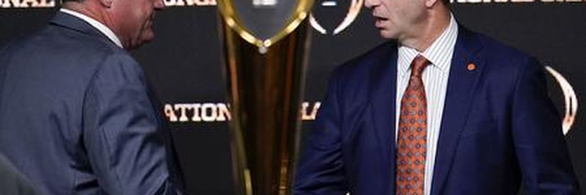 Swinney, Orgeron speak at College Football Playoff head coaches' press confrerence