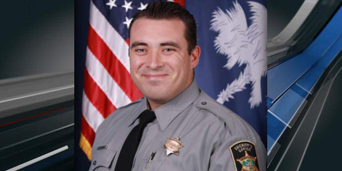 Law enforcement escorts fallen Charleston Co. deputy to the Charleston International Airport