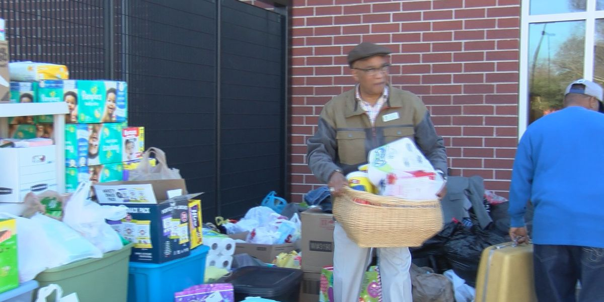 City of Columbia councilman and others help Allen Benedict residents