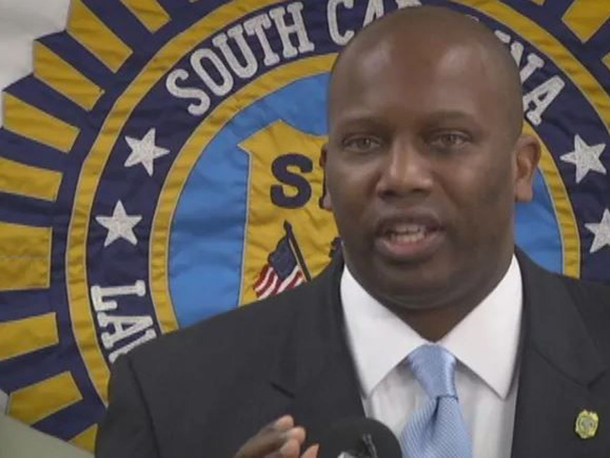 AP: Embattled SC prosecutor gets law license suspended by court
