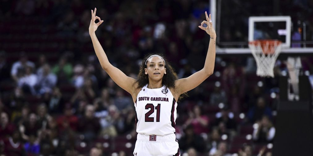 Gamecocks thump Vandy to pick up 19th straight win