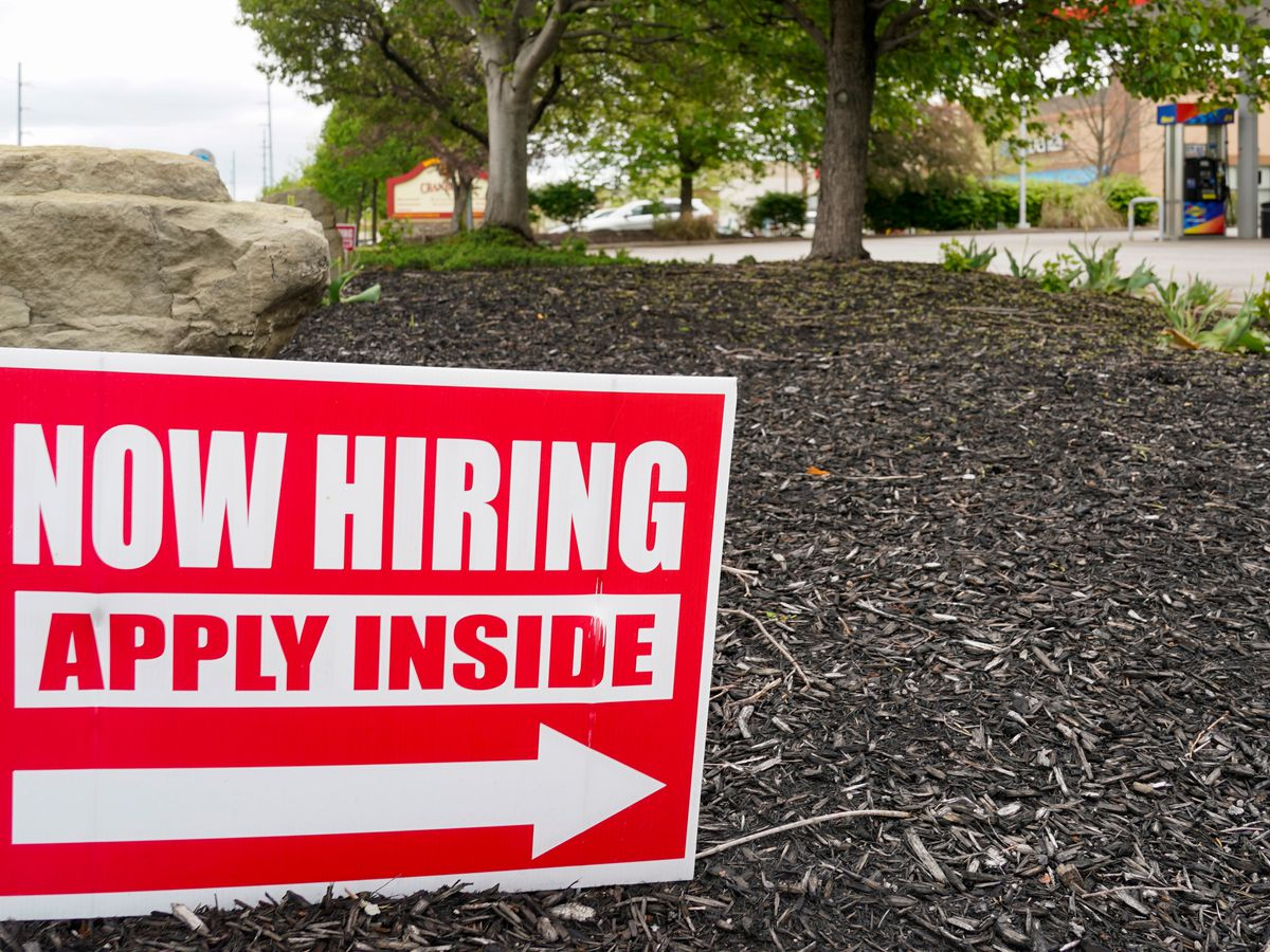 Chamber of Commerce seeks end to extra $300 weekly US jobless benefits