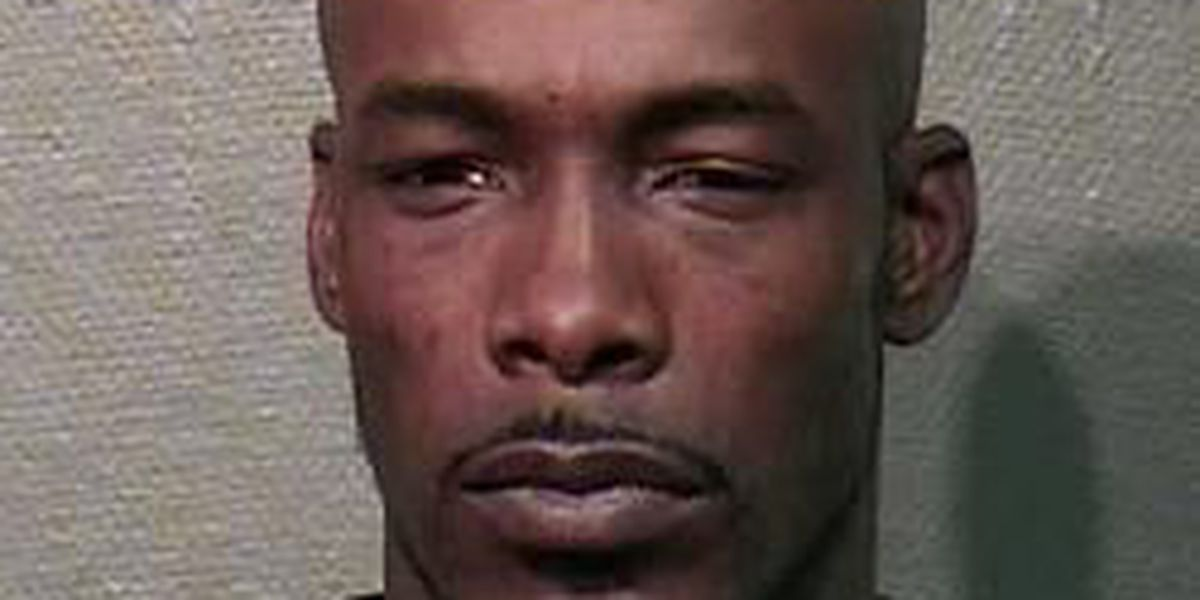 Officers cleared after fugitive dies during warrant service