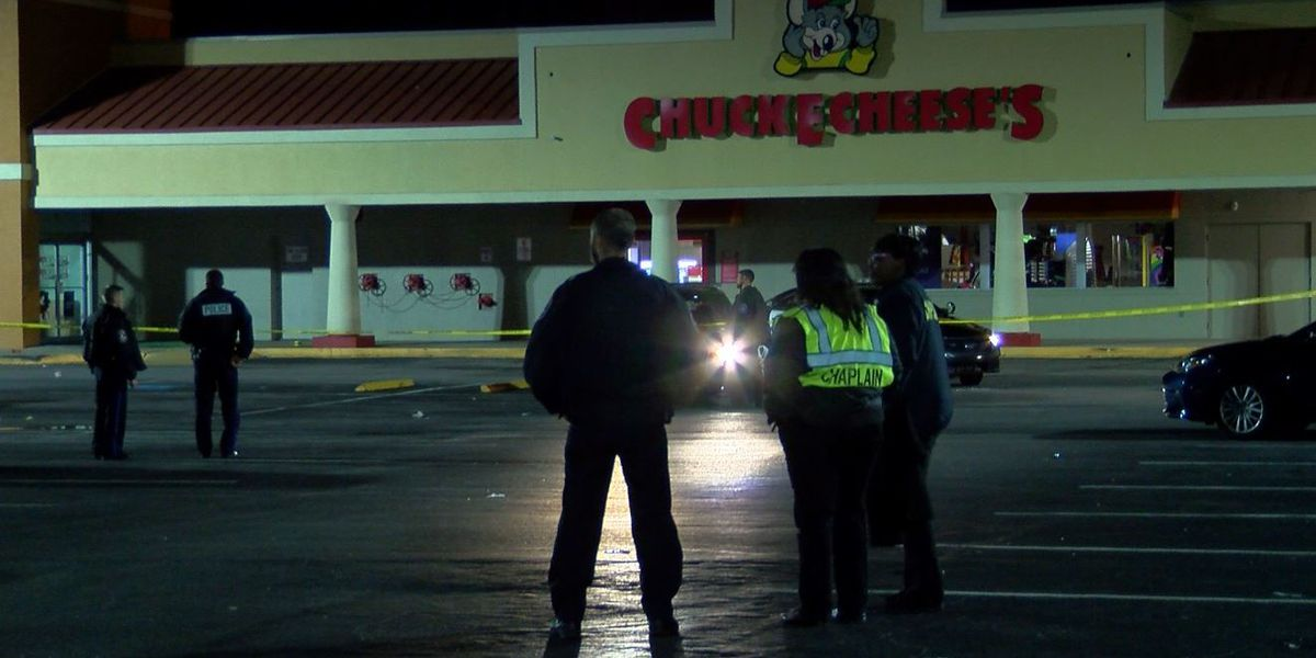 One dead following shooting in Chuck E Cheese parking lot