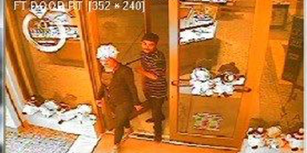 Shoplifters walk into jewelry store, walk out with $5,300 diamond ring