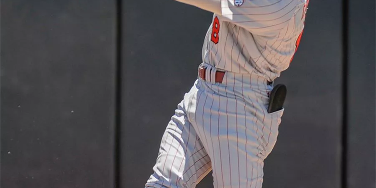 Cortes inks a professional contract with Mets