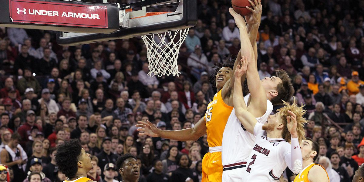 South Carolina falls to top-ranked Tennessee 92-70
