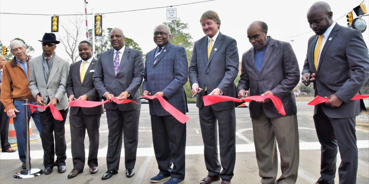 'Milestone' for safety: Intersection project just the beginning, Congressman Clyburn says