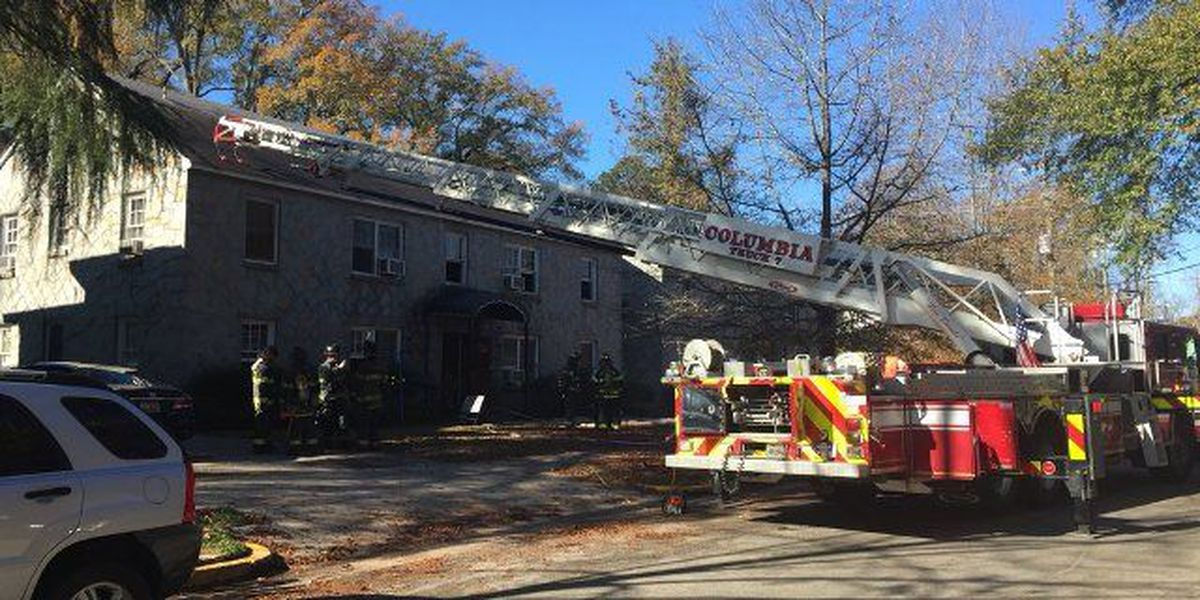 2 displaced after Sunday morning apartment fire