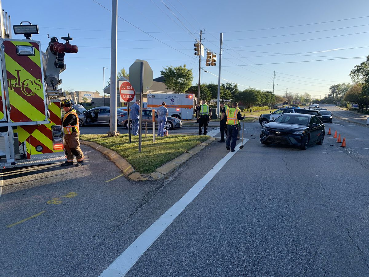 Lane closed on Sunset Boulevard at Old Cherokee Road due to collision