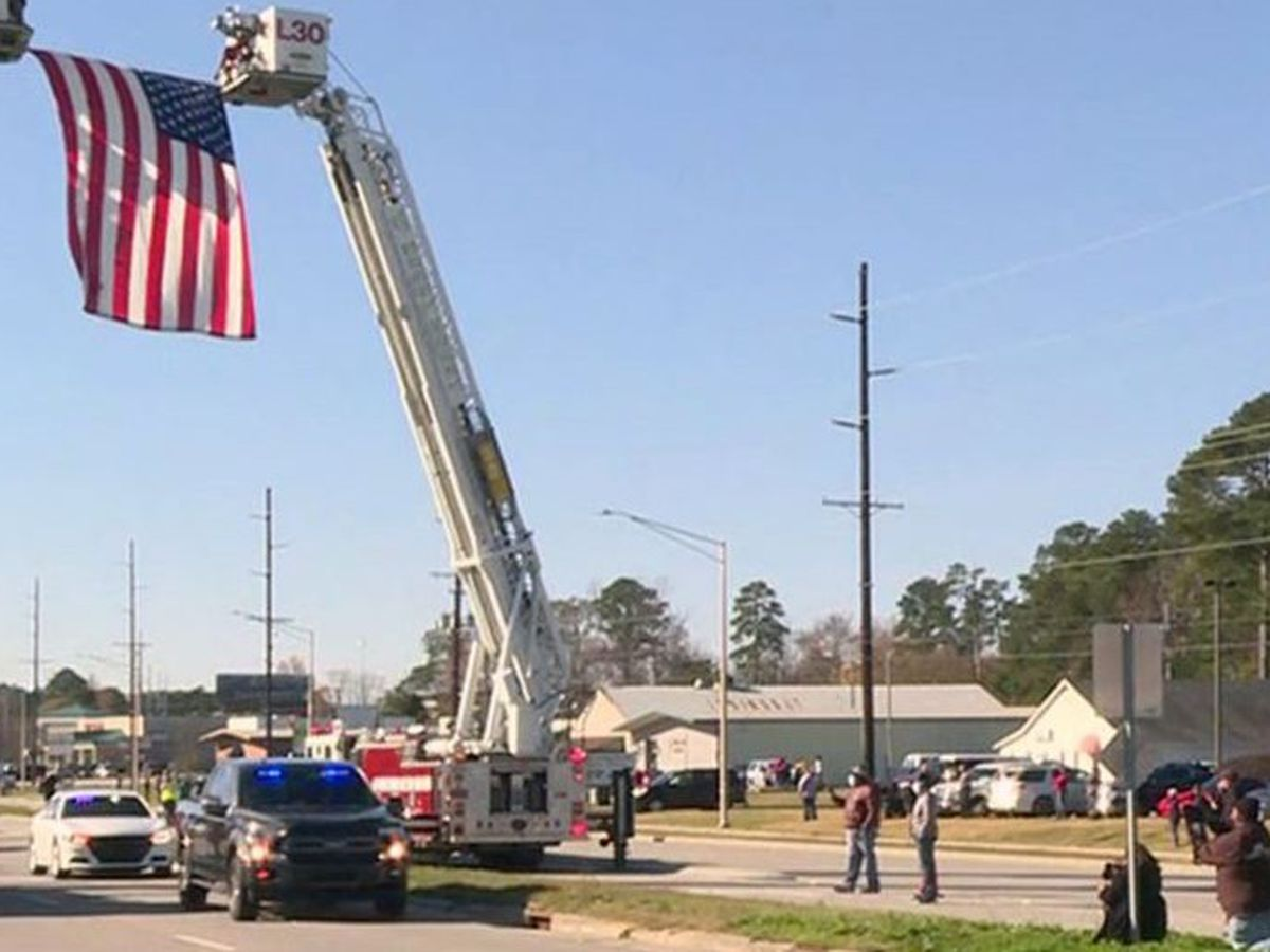 Body of fallen Nash County deputy escorted from Greenville