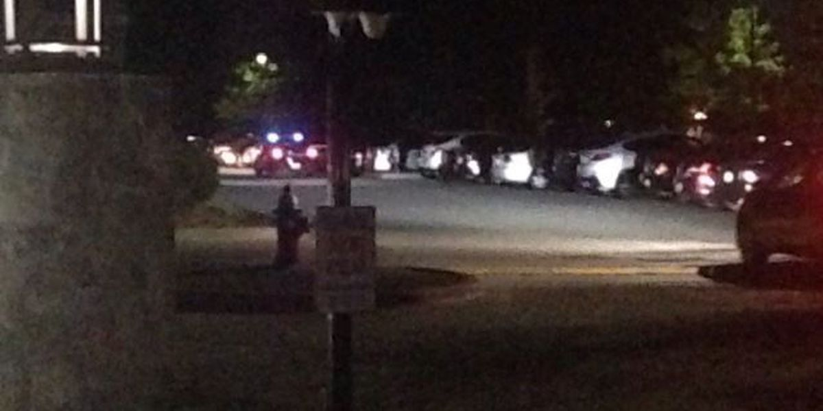 Richland deputies investigating shooting at student apartment complex