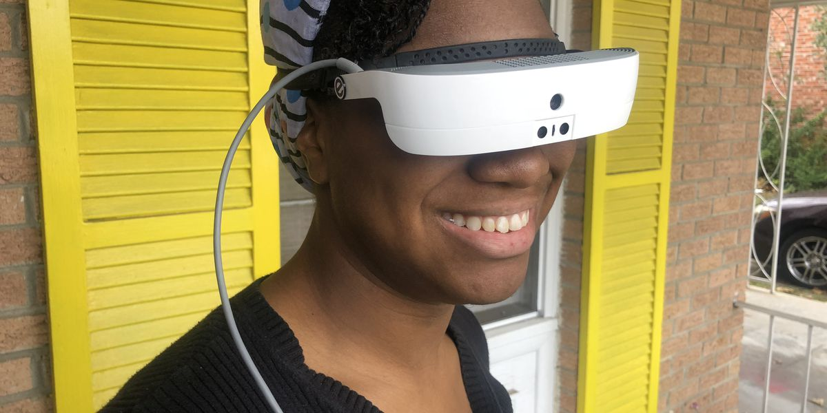 Visually-impaired woman now able to see with electronic glasses