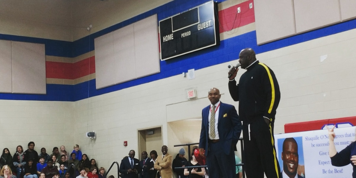 Shaquille O'neal makes appearance at Midlands middle school