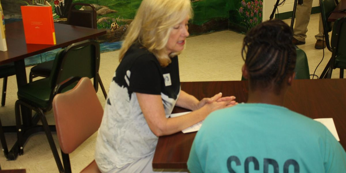 Reading program keeps incarcerated mothers involved in their children's lives