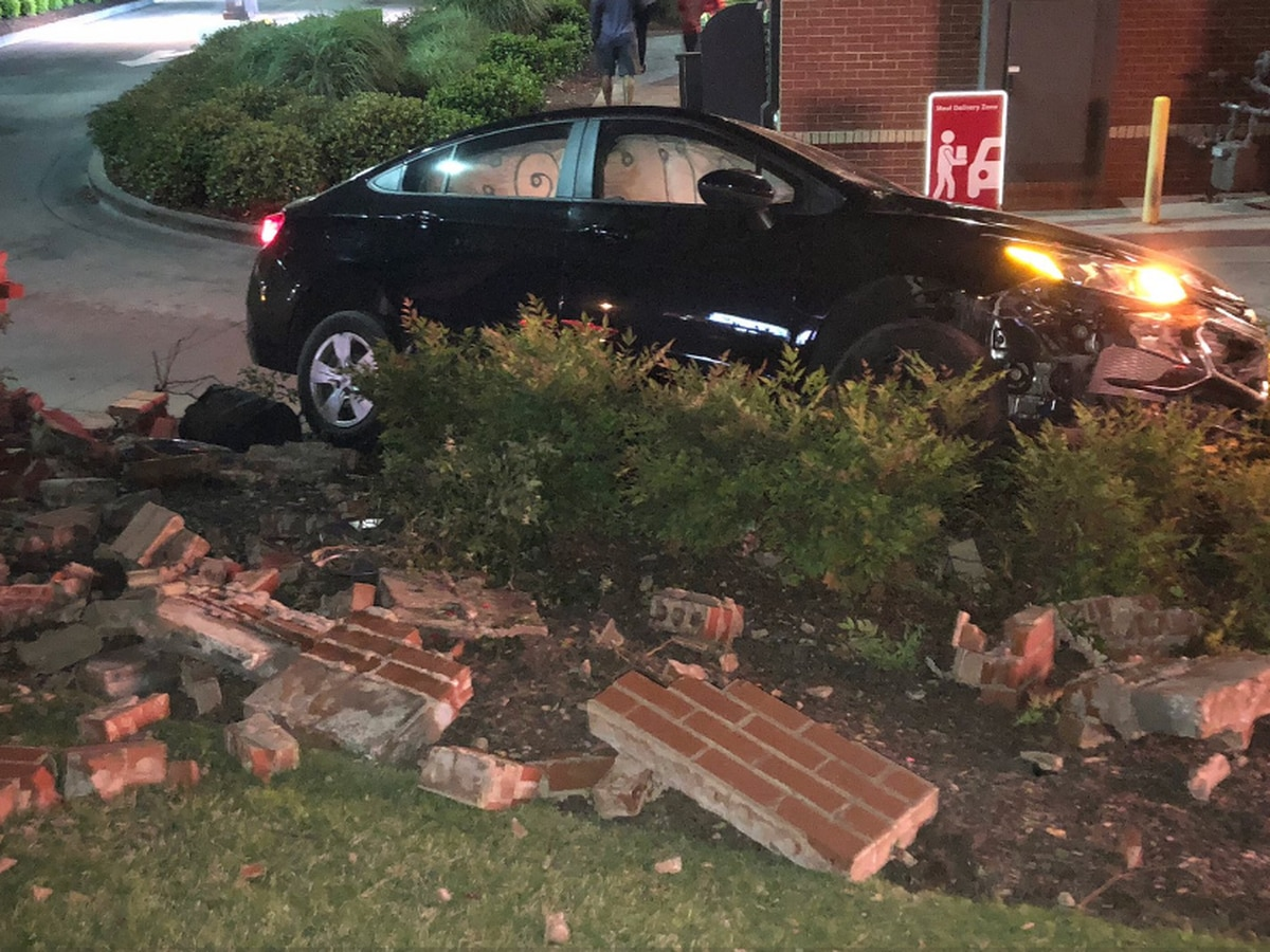 Lexington Chick-fil-A closed due to collision in driveway