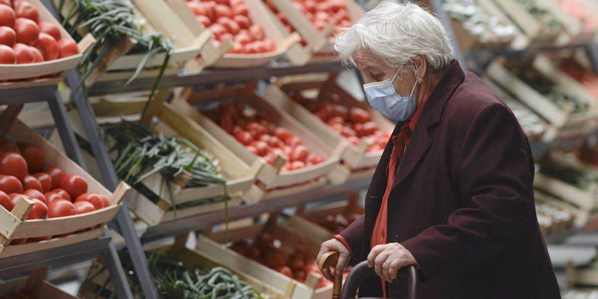 Study: In pandemic era, older adults isolated but resilient