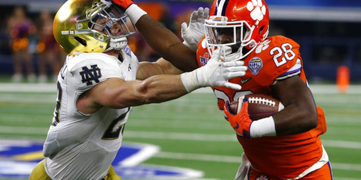 Ex-Clemson RB Feaster trades in orange for garnet in Instagram post