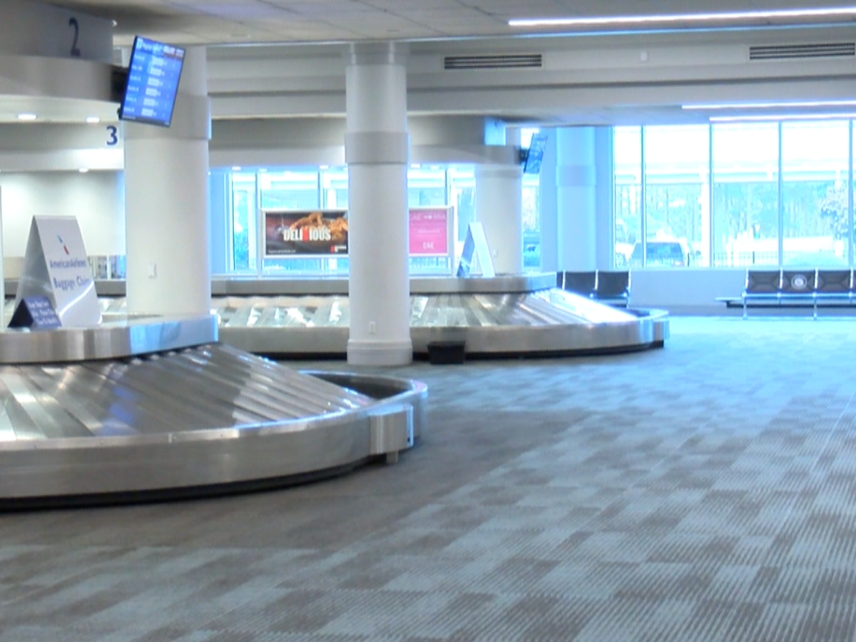 """Travelers say regional airports were """"ghost towns"""" Thanksgiving weekend"""