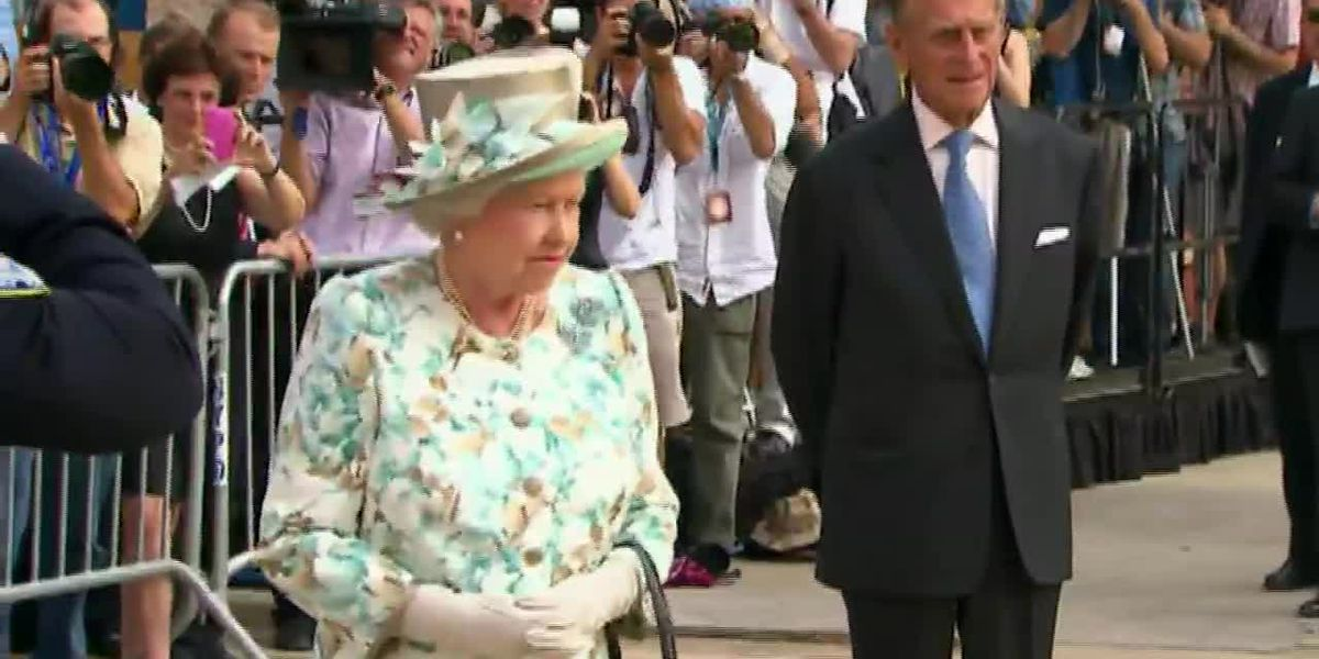Queen Elizabeth II, husband get COVID-19 vaccine