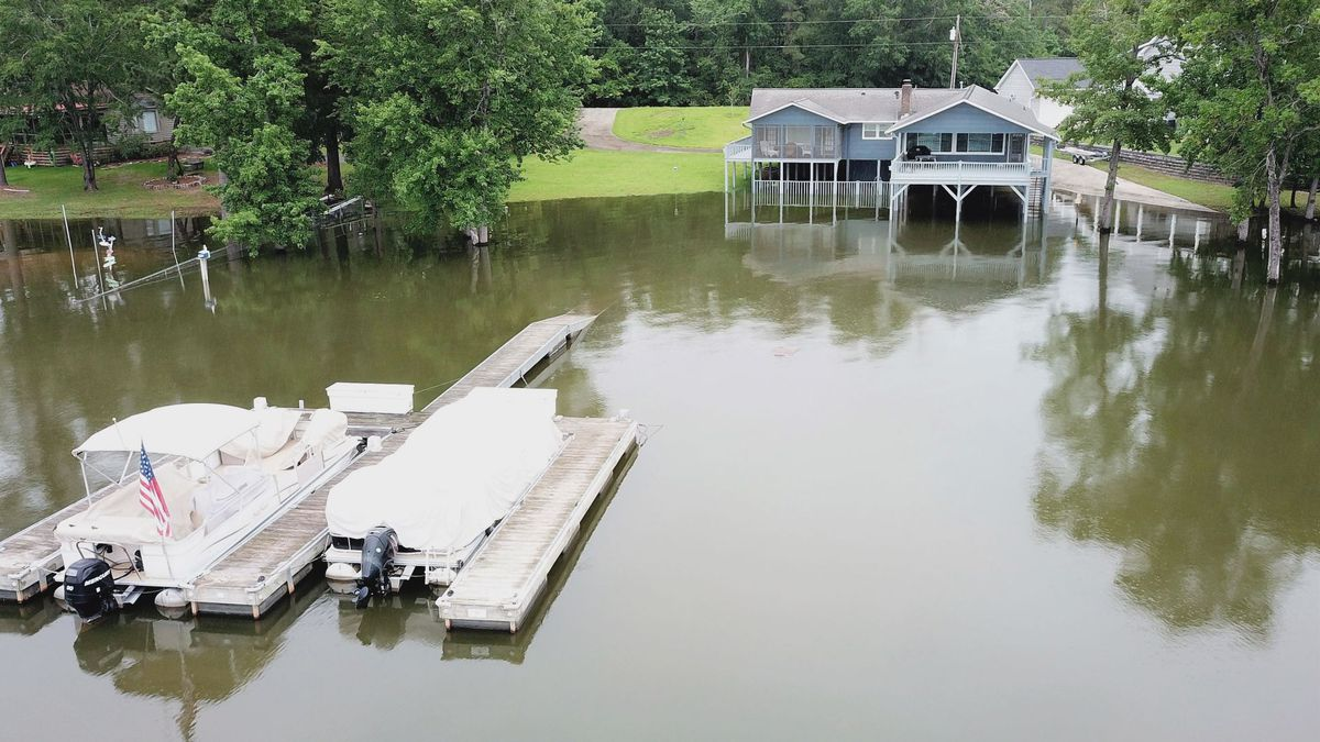 Lake Wateree residents brace for heavy rain, potential flooding from Tropical Storm Sally