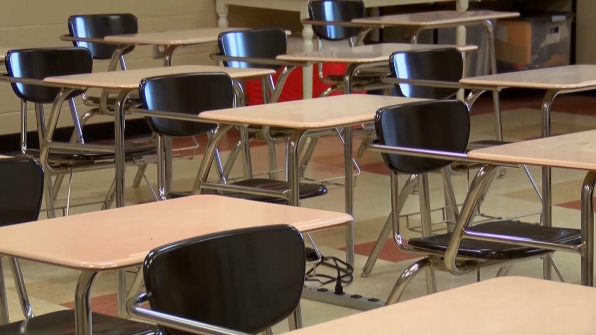 LR5 school board still debating return to hybrid schedule