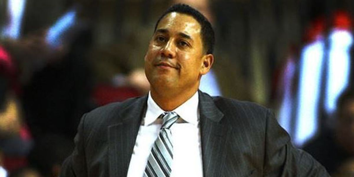 REPORT: Martin fills vacant hoops position