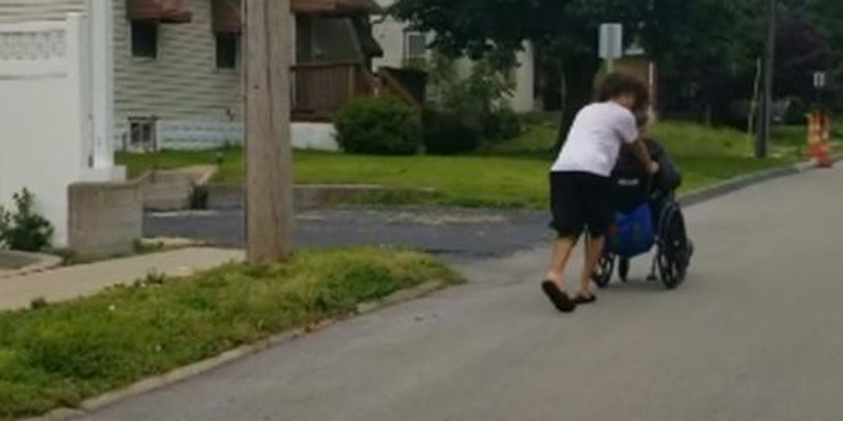 Teen pushes man in wheelchair home during storm warning