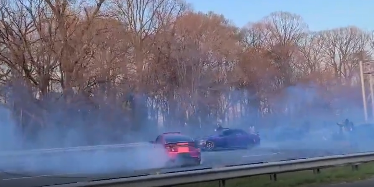 Caught on Camera: Cars stop on Capital Beltway to allow vehicles to spin doughnuts