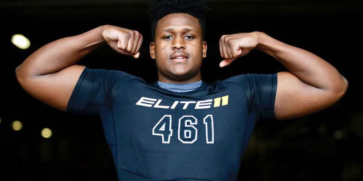 Another top defensive end commits to Carolina