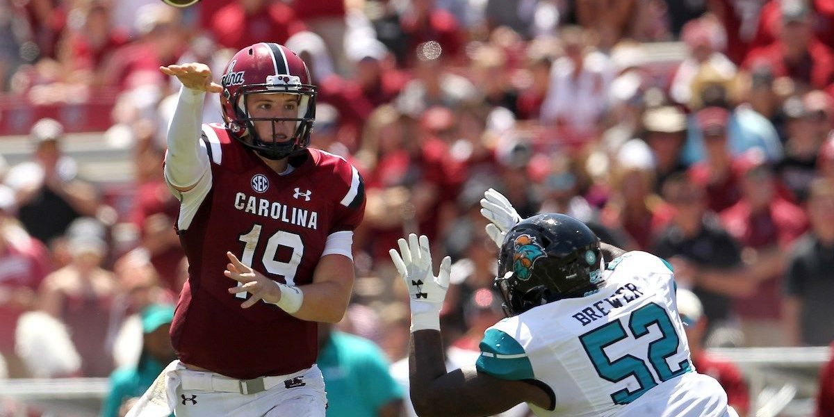 Bentley throws career-high 4 TDs in lopsided Gamecocks win