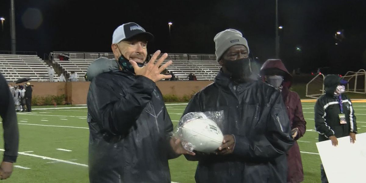 ONE FOR THE THUMB: Dutch Fork seizes 5th straight football state championship
