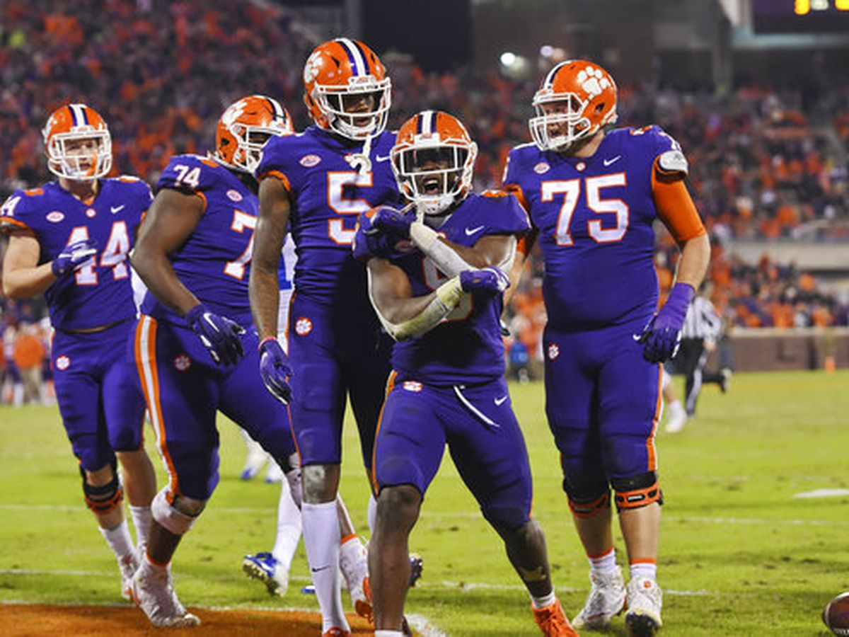 Clemson remains second in CFP rankings
