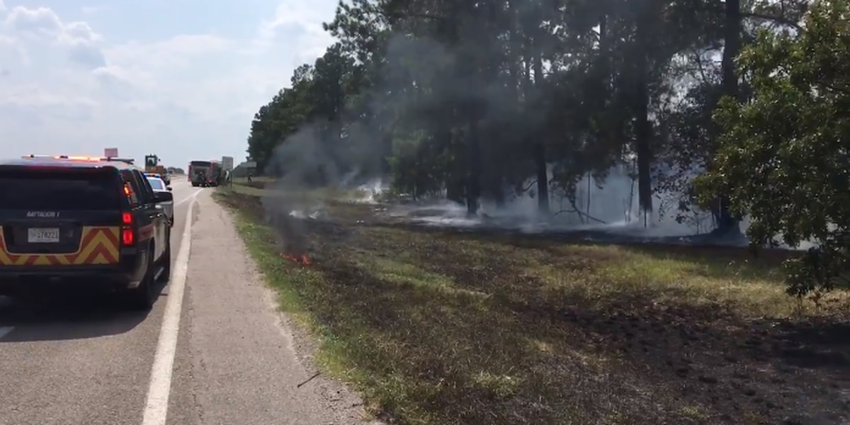 Brush fire along I-20 W in Lexington blocks lane, slows traffic