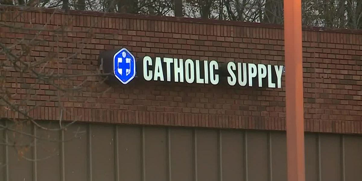 Gunman sexually assaults women at Catholic Supply, fatally shoots 1